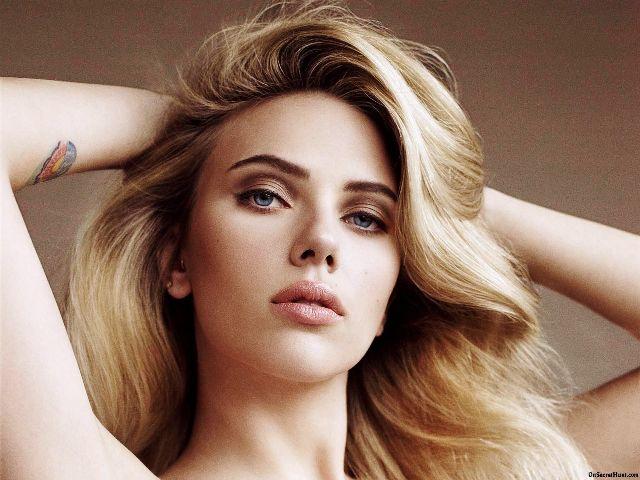 Scarlett Johansson - Diễn viên, ca sĩ người Mỹ có mang dòng máu Đan Mạch và Thụy Điển