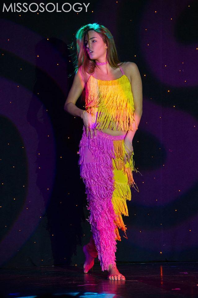 Hoa hậu Serbia trình diễn những điệu nhảy khỏe khoắn, quyến rũ trên sân khấu