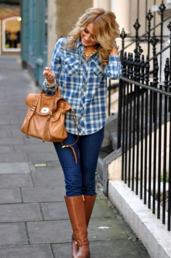 Bạn có thể trở nên cá tính hơn nhờ sơ mi phối cùng quần jeans và boots cao cổ.