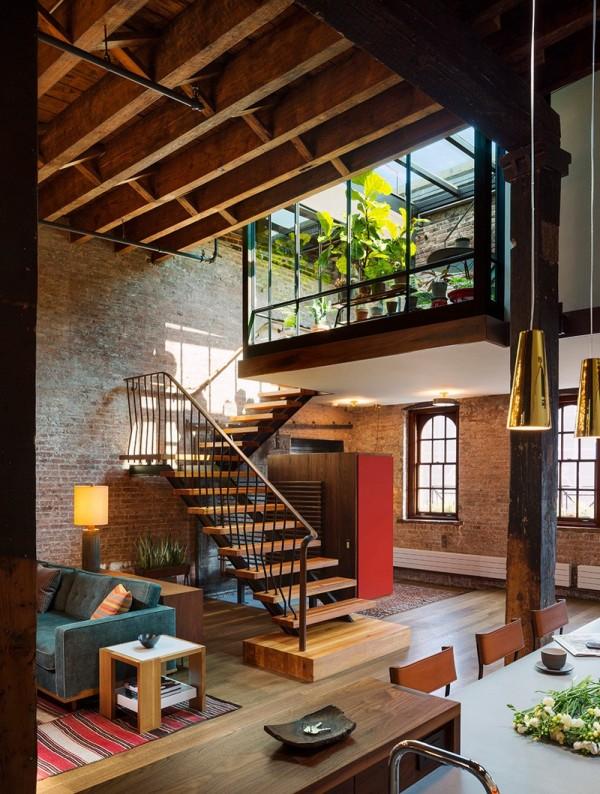 Việc sở hữu hệ thống cửa kính lớn mang đến cho căn hộ lượng ánh sáng tự nhiên tối đa
