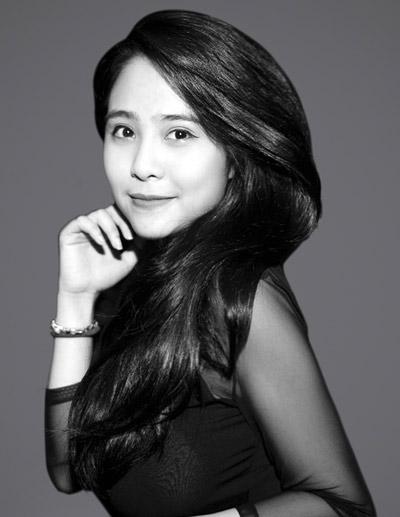 Nguyễn Kiều Anh sinh năm 1994, Hà Nội. Cô đang là học trò của nhạc sĩ Quốc Trung.