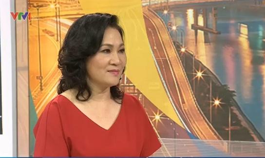 Nhà báo Kim Ngân - tác giả kịch bản phim Mưa bóng mây.