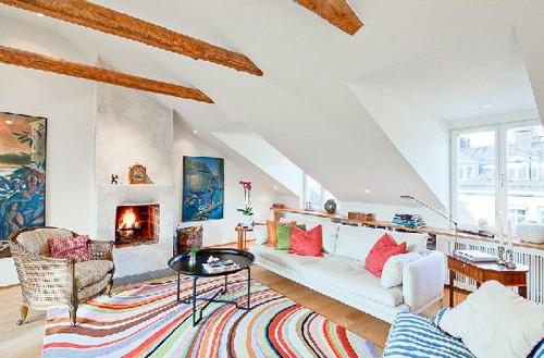 Vì là phòng để nghỉ ngơi nên bạn còn có thể bày đặt những đồ trang trí nhiều màu sắc.