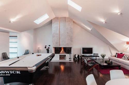 Cầu kỳ hơn, kiểu phòng này cũng có thể mang phong cách hiện đại.