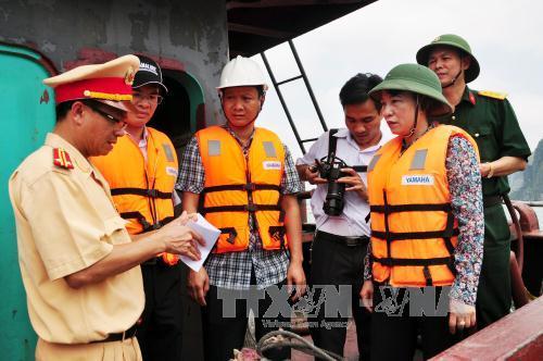 Phó Chủ tịch UBDN tỉnh Vũ Thị Thu Thủy trực tiếp chỉ đạo công tác cứu hộ tại hiện trường.