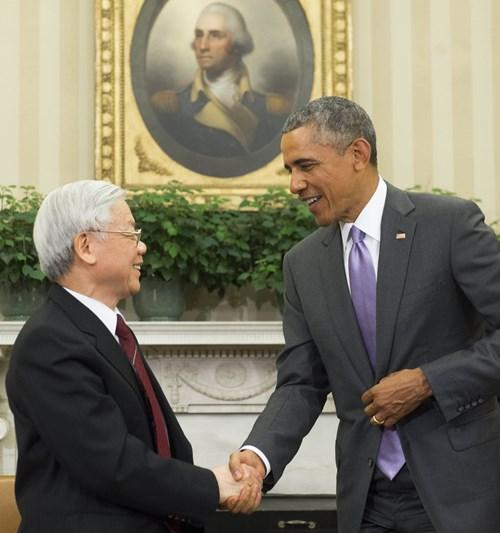 Tổng thống Barack Obama tiếp Tổng Bí thư Nguyễn Phú Trọng tại Phòng Bầu dục trong Nhà Trắng - Ảnh: AFP