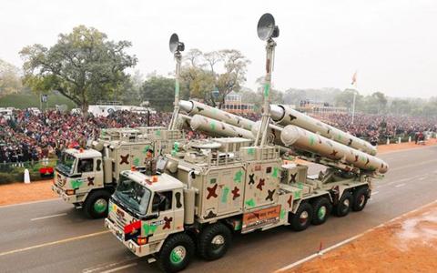 Tên lửa Ấn Độ (ảnh: Reuters)