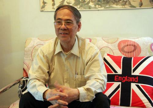 Quãng thời gian đi học ở nước ngoài giúp thầy Nguyễn Quốc Hùng tích lũy thêm kinh nghiệm giảng dạy trên truyền hình (ảnh: Nhân vật cung cấp)