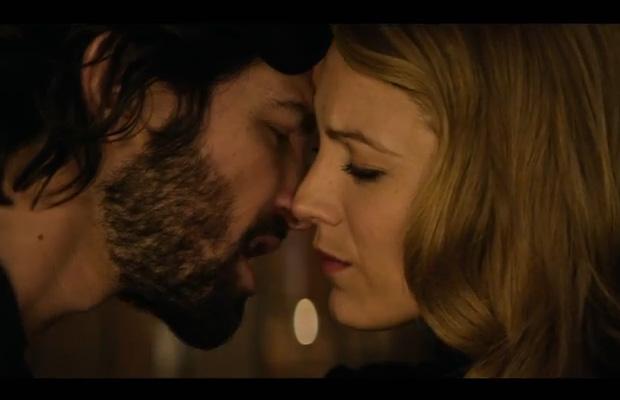 Trong phim, kiều nữ Blake Lively sánh đôi cùng chàng ca sĩ - nhạc sĩ lãng tử người Hà Lan - Michiel Huisman