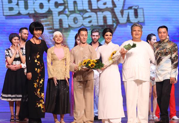 Tính gộp điểm từ giám khảo và khán giả, cặp Chi Pu - Georgi và Vương Khang - Anna bằng điểm trong Liveshow 7 Bước nhảy hoàn vũ 2015.