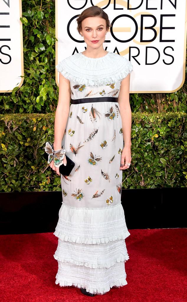 Keira xuất hiện với chiếc váy Chanel hình bướm ở Lễ trao giải Quả cầu vàng 2015. Mặc dù có những ý kiến chê bai bộ cánh của Keira nhưng bản thân cô lại cảm thấy hài lòng vì trang phục làm tôn nét cổ điển mà cô yêu thích.