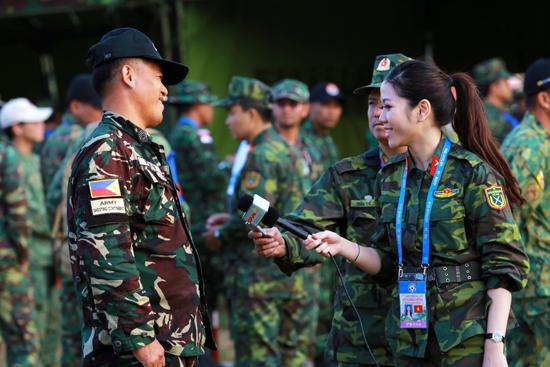 Tác phẩm Tình hữu nghị ASEAN - tác giả Đoàn Ngọc Anh (Trung tâm PTTH QĐND)