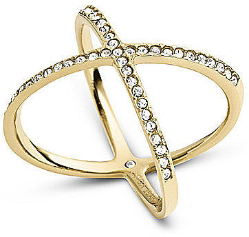 Michael Kors cũng cho ra mắt thiết kế trang sức mới là chiếc nhẫn độc đáo này