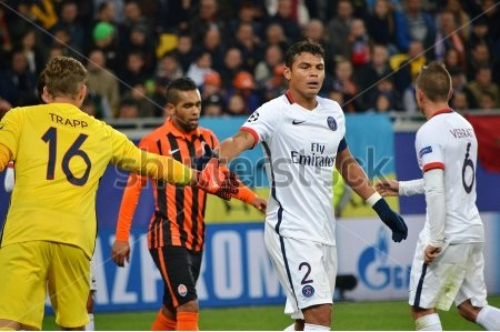 Thủ thành Trapp và Thiago Silva góp công lớn giúp PSG chỉ để thủng lưới 1 bàn ở vòng bảng.