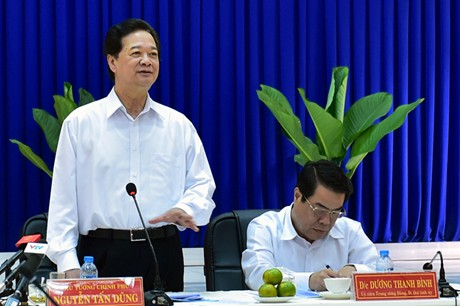 Thủ tướng Nguyễn Tấn Dũng phát biểu tại buổi làm việc với tỉnh Cà Mau. (Ảnh: Nhật Bắc/Báo điện tử Chính phủ)