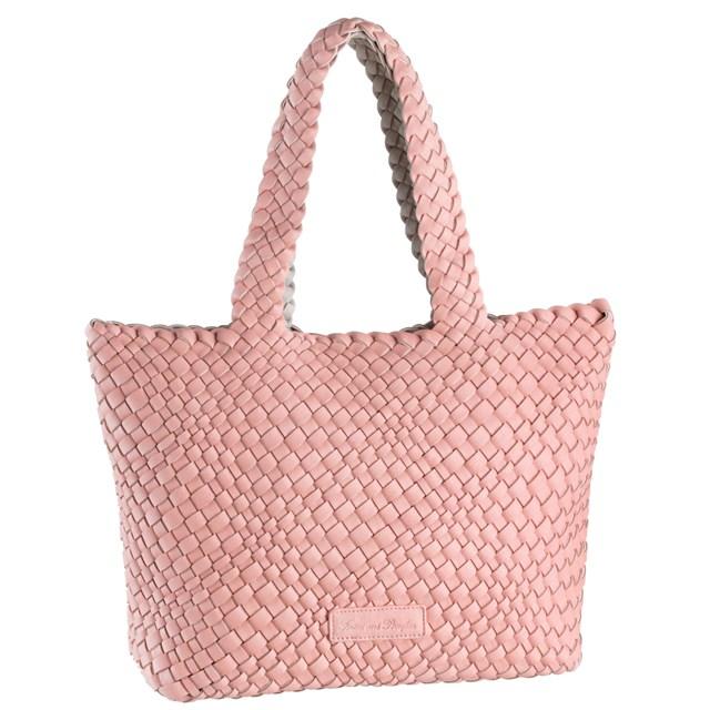 Túi hồng cực đáng yêu của Look