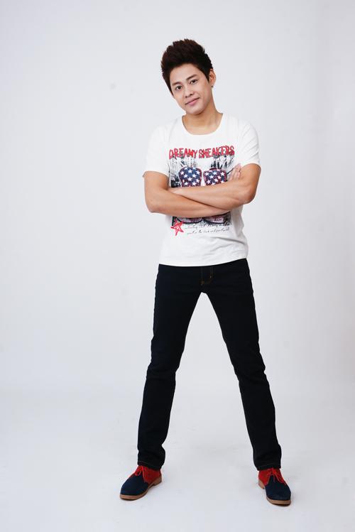 Diễn viên trẻ Tùng Anh vào vai Phong - nhân viên dưới quyền Trưởng phong Dương (Vân Dung). Đây là nhân vật nhí nhảnh nhất trong phòng này.