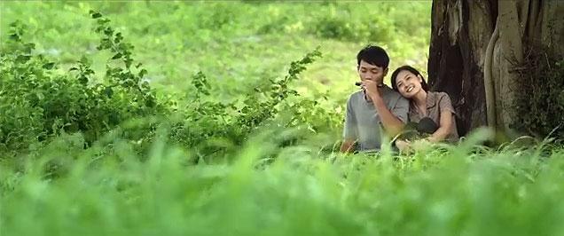 Một cảnh trong trailer chính thức của Tôi thấy hoa vàng trên cỏ xanh