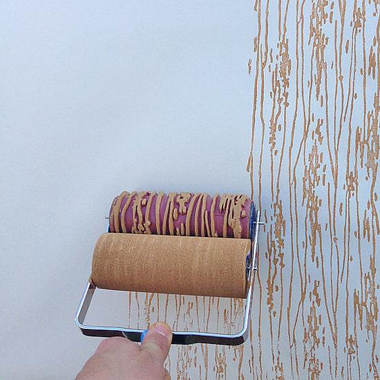 Sơn tường và dùng mẹo nhỏ đã giúp bạn có bức tường mới như được dán giấy.