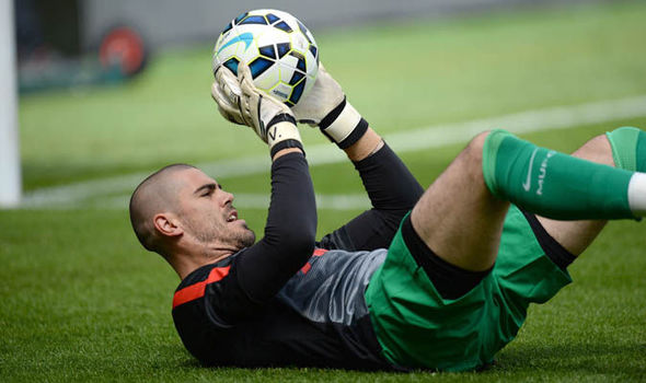 Victor Valdes chắc chắn sẽ rời Man Utd