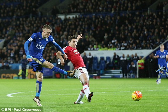 Tình huống Vardy sút tung lưới Quỷ đỏ, ghi bàn mở tỉ số.