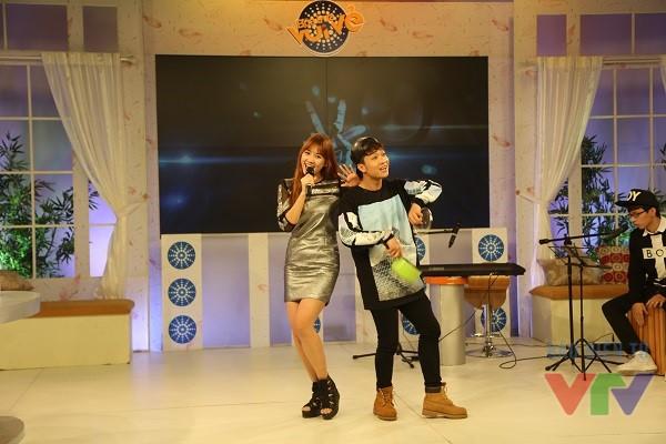 Song song đó, Hari Won còn khiến khán giả bất ngờ với tiết mục Béo dạt mây trôi cực ngọt ngào