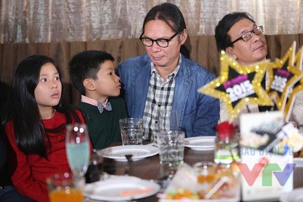 Trần Lực và cậu con trai bé Bờm cũng là khách mời của bữa tiệc
