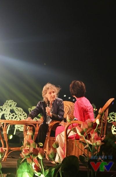 Bà Lady Borton - tác giả cuốn Hồ Chí Minh - Một hành trình trò chuyện cùng nhà báo Diễm Quỳnh