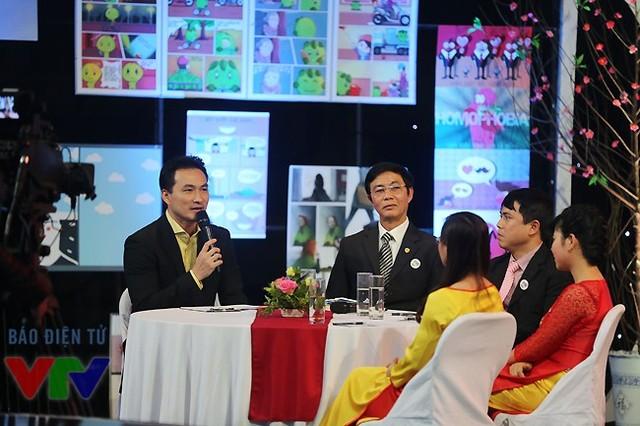 Diễn viên Chi Bảo - một trong 2 người dẫn chương trình của Gala Việc tử tế.