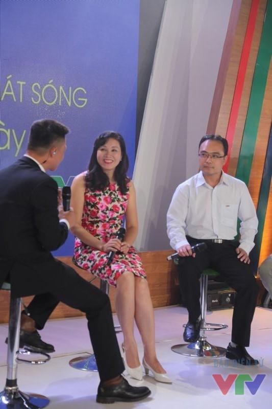MC Nhật Lệ (giữa) - một trong những MC nổi tiếng của VTV