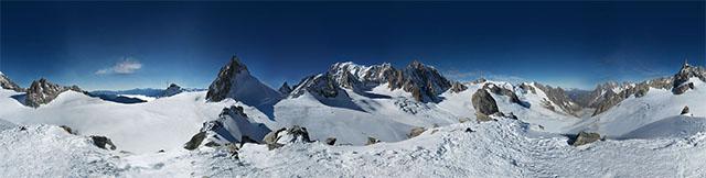 Bức ảnh chụp ngọn núi Mont Blanc