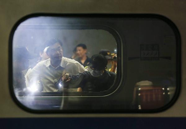 Hiện tại, cảnh sát Đài Loan đang tiếp tục quá trình điều tra vụ việc. Giới chức tại đây cho biết, đây có thể là do hành động cố tình nhưng cũng không loại trừ khả năng chỉ là một vụ tai nạn (Ảnh: INews)