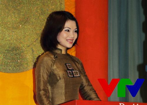 MC Bạch Dương cũng là gương mặt để lại dấu của VTV3 thời đầu. Tên tuổi chị từng gắn bó nhiều nhất với chương trình Hành trình văn hóa. Chị dẫn dắt chương trình về văn hóa - du lịch này trong suốt 6 năm.