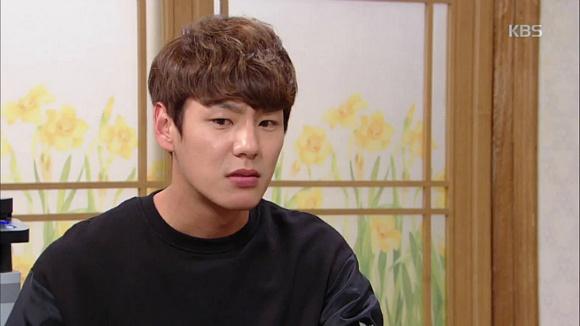 Trong phim, cuộc đời của Kang Gi Chan gặp nhiều biến cố. Cha anh phải ngồi tù, Gi Chan sống với người mẹ kế.