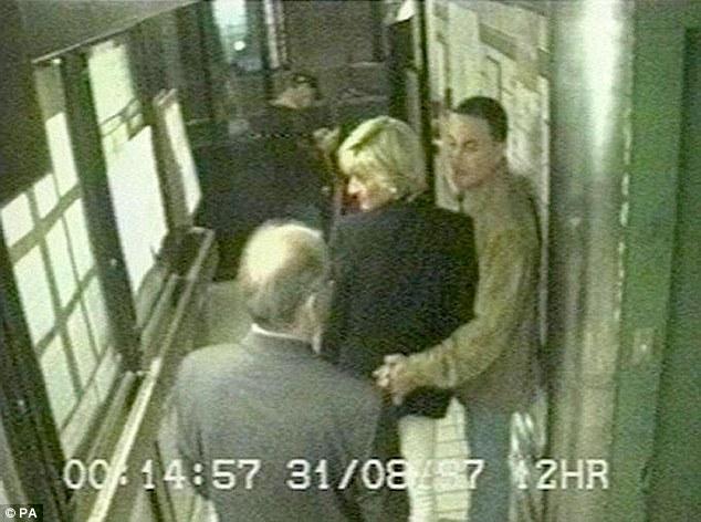 Hình ảnh của Công nương Diana trước thảm kịch năm 1997
