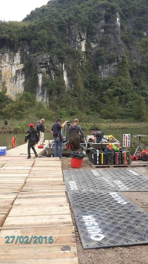Địa điểm tập kết cách khu quay phim khoảng 1km