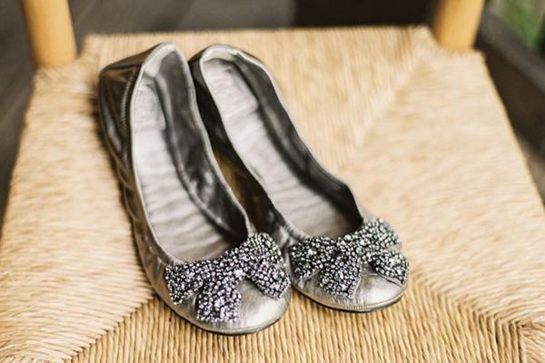 Cô dâu không đi được giày cao gót có thể chọn giày bệt mềm chân