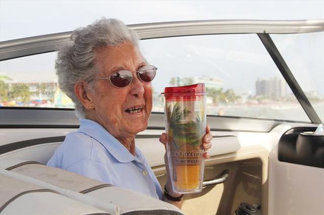 Norma là một bà nội trợ ở miền Trung Tây Michigan. Bà đã mất nhiều người thân thiết và gần gũi với mình trước khi nhận được chẩn đoán mắc bệnh ung thư.