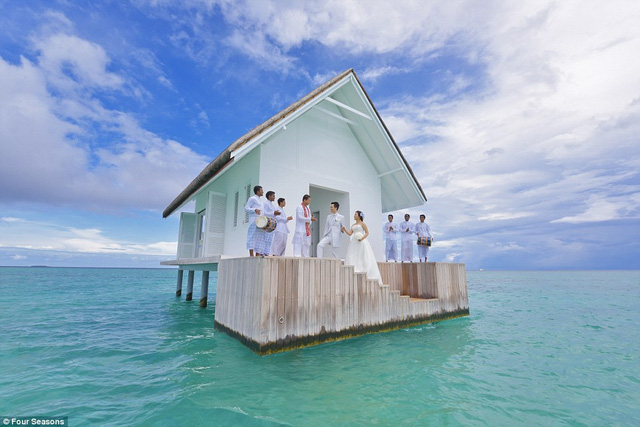 Thánh đường nằm lênh đênh ngoài khơi ở Maldives là điểm đến lý tưởng với du khách yêu sự tĩnh lặng