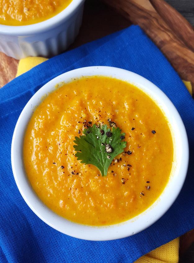 Súp cà rốt, gừng và nước cốt dừa