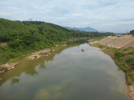 Sông Tiên chảy ngược ở Tiên Phước , Quảng Nam.