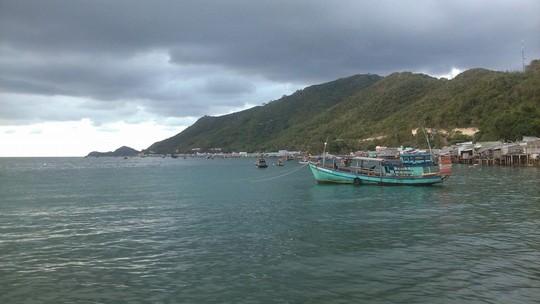 Nhìn từ xa, đảo Nam Du trông rất huyền ảo