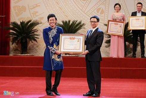 Hoài Linh hạnh phúc nhận danh hiệu NSƯT.