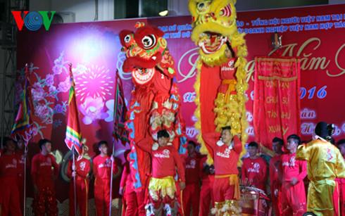 Các hoạt động vui xuân, đón Tết của cộng đồng người Việt tại Lào.