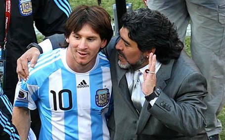 Messi không nói chuyện với Maradona trong nhiều năm qua