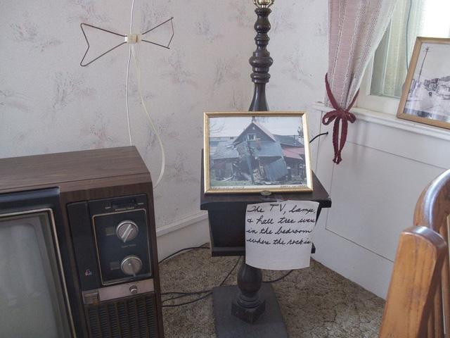 Một vài món đồ cũ trong nhà vẫn được giữ lại