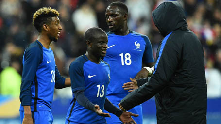 Kante ra mắt tuyệt vời ở tuyển Pháp