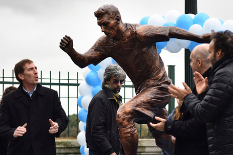 Bức tượng Messi mới khánh thành ở Buenos Aires