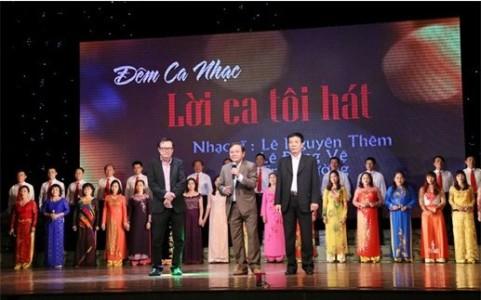 Chương trình Đêm ca nhạc - Lời ca tôi hát đoạt giải A Giải thưởng Hội Nhạc sĩ Việt Nam 2015. Ảnh: Đại Đoàn Kết.