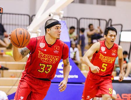 Việt Arnold (33) ghi đến 29 điểm, góp công lớn giúp Sài Gòn Heat đánh bại Mono Vampire (Thái Lan) ngay trên đất Thái